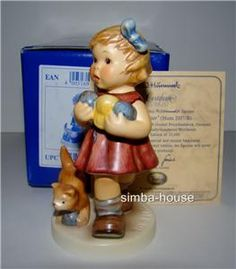 Hummel Little Knitter Cat Goebel Figurine 2107