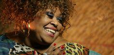 A cantora e compositora Graça Braga apresenta, dia 15 de julho, no Teatro Rival Petrobras, o lançamento do álbum em homenagem à Candeia. O show começa às 19h30 e os ingressos, à venda na bilheteria do local ou pelo ingresso.com, custam de R$ 25 a R$ 50.