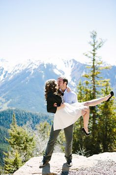 Mountain kiss | Photography: Tess Pace Photography - tesspacephotography.com/  Read More: http://www.stylemepretty.com/2015/06/05/romantic-aspen-engagement-session/