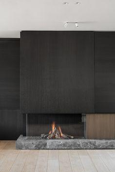 Living Room Decor Fireplace, Fireplace Tv Wall, Fireplace Remodel, Modern Fireplace, Fireplace Surrounds, Living Room Interior, Home Room Design, Home Interior Design, Interior Architecture
