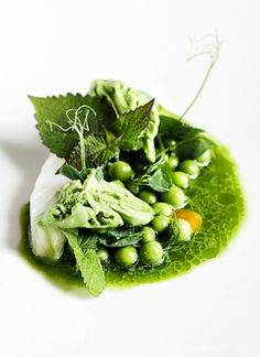 MIELCKE & HURTIGKARL - POACHED COD, PEAS & ANISE HYSSOP by Mielcke_Hurtigkarl, via Flickr #plating #presentation