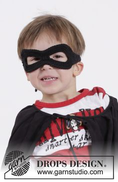 "Little Zorro - DROPS Carnival: Crochet DROPS superhero mask in ""Paris"". - Free pattern by DROPS Design"
