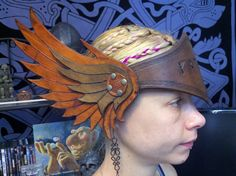 Valkyrie Viking helm helmet headdress leather by Skandihooligan Leather Armor, Leather Mask, Tooled Leather, Larp, Wildling Costume, Valkyrie Costume, Vikings, Steampunk, Corset Costumes