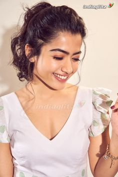 Rashmika Mandanna: Rashmika Mandanna, Rashmika Mandanna Photos, Rashmika Mandanna Images, Rashmika Mandanna stills, Rashmika Mandanna photoshoot Beautiful Girl Photo, Beautiful Girl Indian, Most Beautiful Indian Actress, Beautiful Actresses, Beautiful Saree, Beauty Full Girl, Cute Beauty, Cute Girl Poses, Glossy Hair