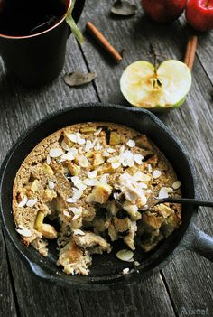 Food Photography: Baked Apple Oatmeal // Oatmeal, Pot Dishes, Fall-Autumn