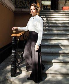 Alondra de la Parra directora de orquesta de prestigio internacional y una de las mexicanas más reconocidas de su generación crea todos los días una partitura nueva y demuestra que para las mujeres no existen barreras. Ve la entrevista que nos dio en la más reciente edición impresa de #HarpersBazaarMx #ThinkingFashion #BazaarMx #ShesMercedesMx #AlondradelaParra  via HARPER'S BAZAAR MEXICO MAGAZINE OFFICIAL INSTAGRAM - Fashion Campaigns  Haute Couture  Advertising  Editorial Photography…
