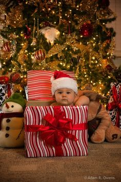 seasonalwonderment:  Christmastime  Kids at Christmas