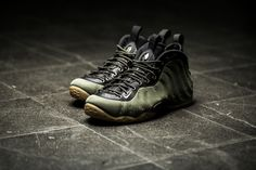 ***RELEASE REMINDER*** This is what I call the perfect colorway for this year's fall! Dark green and deep black with the classic gum sole is a hell of a look for the classic Nike Air Foamposite Premium 1! The basketball veteran will be available at our shop tomorrow morning!  Release: 26.09.2015 | 9:00h AM CET | EU 42 - 46 | 220,-€