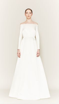 10 minimalist wedding dresses for the Meghan Markle look Classic Wedding Gowns, Minimalist Wedding Dresses, Best Wedding Dresses, Wedding Styles, Pippa Middleton Wedding Dress, Kate Middleton, Bridal Collection, Dress Collection, Bodas Shabby Chic