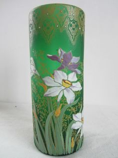 Vase émaillé vert satiné Legras.