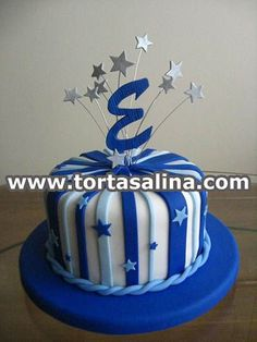 Torta de Cumpleaños de hombre Cakes For Men, Cakes And More, Bolo Fake Eva, Kendall Birthday, Single Tier Cake, 21st Cake, Cake Images, Cake Tins, Fondant Cakes