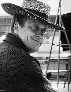 George Roy Hill (American western & gangster director: Thoroughly Modern Millie [1967], Butch Cassidy and the Sundance Kid [1969], The Sting [1973], The Great Waldo Pepper [1975], The World According to Garp [1982])
