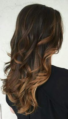 Caramel balayage on black hair or caramel balayage on dark hair become fairly popular. Also Balayage caramel blonde which recommended by some hair stylist. Hair Color And Cut, Brown Hair Colors, Hair Colour, Tiger Eye Hair Color, Caramel Hair, Caramel Brown, Balyage Caramel, Mocha Brown, Honey Brown