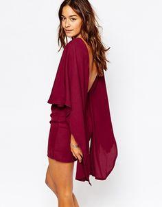 Vestido ajustado con capa en la parte trasera de Missguided