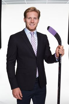 Gabriel Landeskog - Colorado Avalanche Landy comes with the purchase of the HFC tie, right?