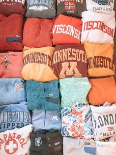 all the comfy sweatshirts! Look Fashion, Teen Fashion, Fashion Outfits, Petite Fashion, Curvy Fashion, Fall Fashion, Trendy Outfits, Fall Outfits, Outfit Winter