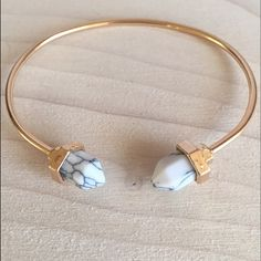 NWT White Stone and 18k Gold Bangle Ready to ship in one week. 18k gold plated just like Kendra Scott. Jewelry Bracelets