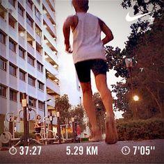 Heavy! Barry is running  #barryisrunning  #run #runsg #nikeplus #nikerun #nikeplusrun  #runhappy #sgrunners #runnerscommunity #runnerinspiration #runforabettertomorrow  #correr #Corrida #instarunner #iphonerunner #iphoneonly #marathontraining #wearetherunners #worlderunners  #loverunning  #RunItFast #justrunlah #runselfie  #justrunlah #theelephantrun