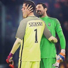 Wojciech Szczęsny i Gianluigi Buffon As Roma Vs Juventus