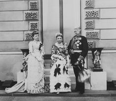 The Royal Collection: Prince Alexander of Hesse with his consort Julie, Princess of Battenberg and his daughter Princ