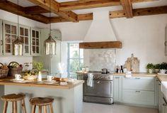 Italian Farmhouse, Italian Home, Kitchen Interior, New Kitchen, Kitchen Dining, Made To Measure Furniture, Green Interior Design, Rural House, Farmhouse Renovation