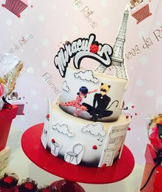 "149 Likes, 9 Comments - Fofurices da Ritoca (@fofuricesdaritoca) on Instagram: ""Miraculous...ladybug and Catnoir!! #ateliêdefofurices #fofuricesdaritoca #bololadybug #ladybugcake…"""