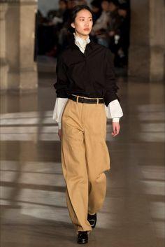 Sfilata Lemaire Parigi - Collezioni Autunno Inverno 2016-17 - Vogue