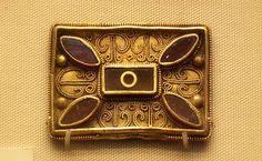 Anglo-Saxon belt fitting 6-7c British Museum 1 Anterior Siguiente British Museum