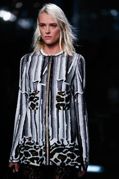 http://www.style.com/slideshows/fashion-shows/spring-2015-ready-to-wear/louis-vuitton/details/76