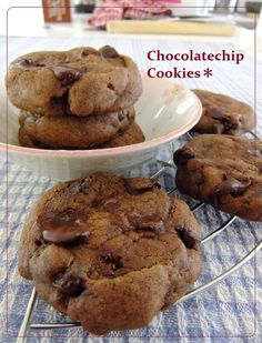 I think Easy Chocolate Chip Cookies is a good dish to try in your home. Sweets Recipes, Bread Recipes, Cooking Recipes, Easy Chocolate Chip Cookies, Best Dishes, Vegetarian Chocolate, Deserts, Baking, Cookpad Recipe