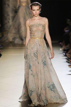 Elie Saab Haute Couture F/W 2012/2013 http://www.youtube.com/watch?v=64JR8GiymkY