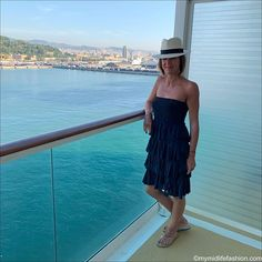 How to wear a strapless sundress Fashion Over 40, Fashion Tips, Evening Dresses, Summer Dresses, Cruise Outfits, Holiday Outfits, Outfit Posts, Summer Looks