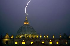 A Lightning Bolt Struck Down On The Vatican Just Hours After The Pope Resigned! WHAT DOES THIS MEAN?!