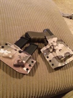 C&G Holsters Kydex holster Glock 17 Inforce APL light bearing