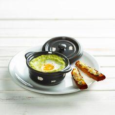 Découvrez la recette Œuf cocotte à la purée de brocolis, mouillette de pain d'épices sur cuisineactuelle.fr.