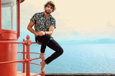 Moda Trends Magazine - Marlon Teixeira for Mormaii's Spring/Summer 2017 Campaign