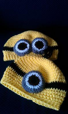 The minion hats free pattern