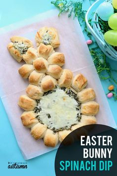 Easter Bunny spinach dip is a super easy Easter appetizer is made with refrigerated crescent dough and creamy homemade spinach dip. Easter Snacks, Easter Brunch, Easter Treats, Easter Recipes, Holiday Recipes, Easter Food, Easter Party, Easter Dishes, Easter Desserts