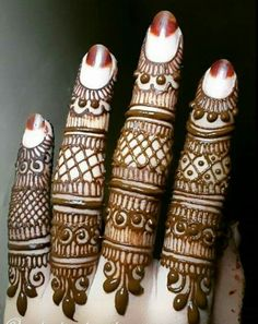 Traditional bridal henna hands ideas for 2019 Finger Henna Designs, Simple Arabic Mehndi Designs, Mehndi Designs For Girls, Henna Art Designs, Mehndi Designs For Beginners, Mehndi Designs 2018, Mehndi Designs For Fingers, Modern Mehndi Designs, Wedding Mehndi Designs