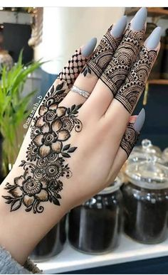 Pretty Henna Designs, Modern Henna Designs, Wedding Henna Designs, Mehndi Designs Book, Mehndi Designs For Girls, Mehndi Designs 2018, Mehndi Designs For Beginners, Dulhan Mehndi Designs, Mehndi Designs For Fingers