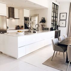 Marble Worktops, Bistro Kitchen, Interior Design Kitchen, Future House, Home Kitchens, Sweet Home, New Homes, Lounge, Indoor