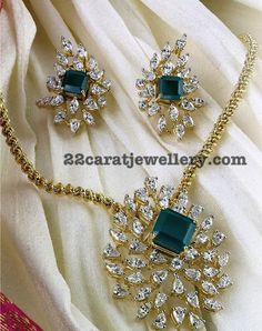 How you can find terrific pieces of jewelry at reliable price tags Pendant Set, Diamond Pendant, Pendant Jewelry, Beaded Jewelry, Diamond Rings, Bridal Jewelry, Sunflower Jewels, Gold Jewelry Simple, Emerald Jewelry