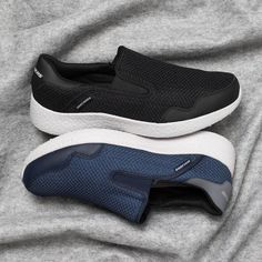 Slip into style and comfort with the men's Skechers Burst - Just In Time slip-on. Blue or Black?