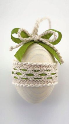 Olive Green Easter Egg, Decorative Wooden Easter Egg, White Cottage Chic Decor, Pastel Color Home Decor Easter Gift, Easter Bunny, Easter Eggs, Egg Crafts, Easter Crafts, Easter Egg Designs, Diy Ostern, Easter Projects, Deco Floral
