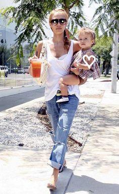 Jessica Alba + baby