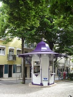 Guard House, Kiosk Design, Iberian Peninsula, Portable House, Shops, Surface Area, Store Fronts, Portuguese, Coffee Shop