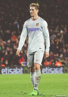 Find images and videos about football, fernando torres and 9 on We Heart It - the app to get lost in what you love. Football Is Life, Football Players, Spanish Soccer Players, Old Trafford, European Football, Arsenal Fc, College Basketball, Manchester City, Premier League