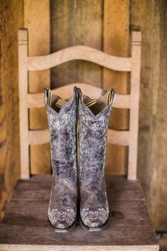A rustic, family ranch wedding where cowboy boots and belt buckles were the norm and the groomsmen came to the ceremony on horseback might sound too darling to be true, but it is just how this coup. Bridal Shoes, Wedding Shoes, Wedding Dresses, Rustic Wedding Foods, Wedding Country, Sock Shoes, Shoe Boots, Boho Beach Style, Walking Tall