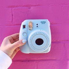 Camera Polaroid - The Best Piece To See When Evaluating Photography Info Mini Polaroid, Instax Mini Camera, Instax Mini 8, Polaroid Cameras, Instax 8, Fujifilm Instax Mini, Deco Tumblr, Emma Verde, Instax Mini Ideas