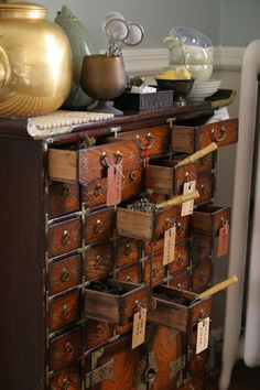 Will be searching for one of these for my tea parties! [Apothecary Chest]